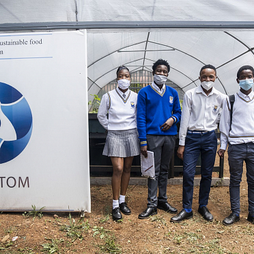 ROSATOM builds 2 greenhouses at South African school